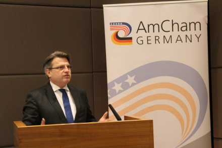 Bayerns Justizminister Bausback bei dem Neujahrsempfang der American Chamber of Commerce in Germany